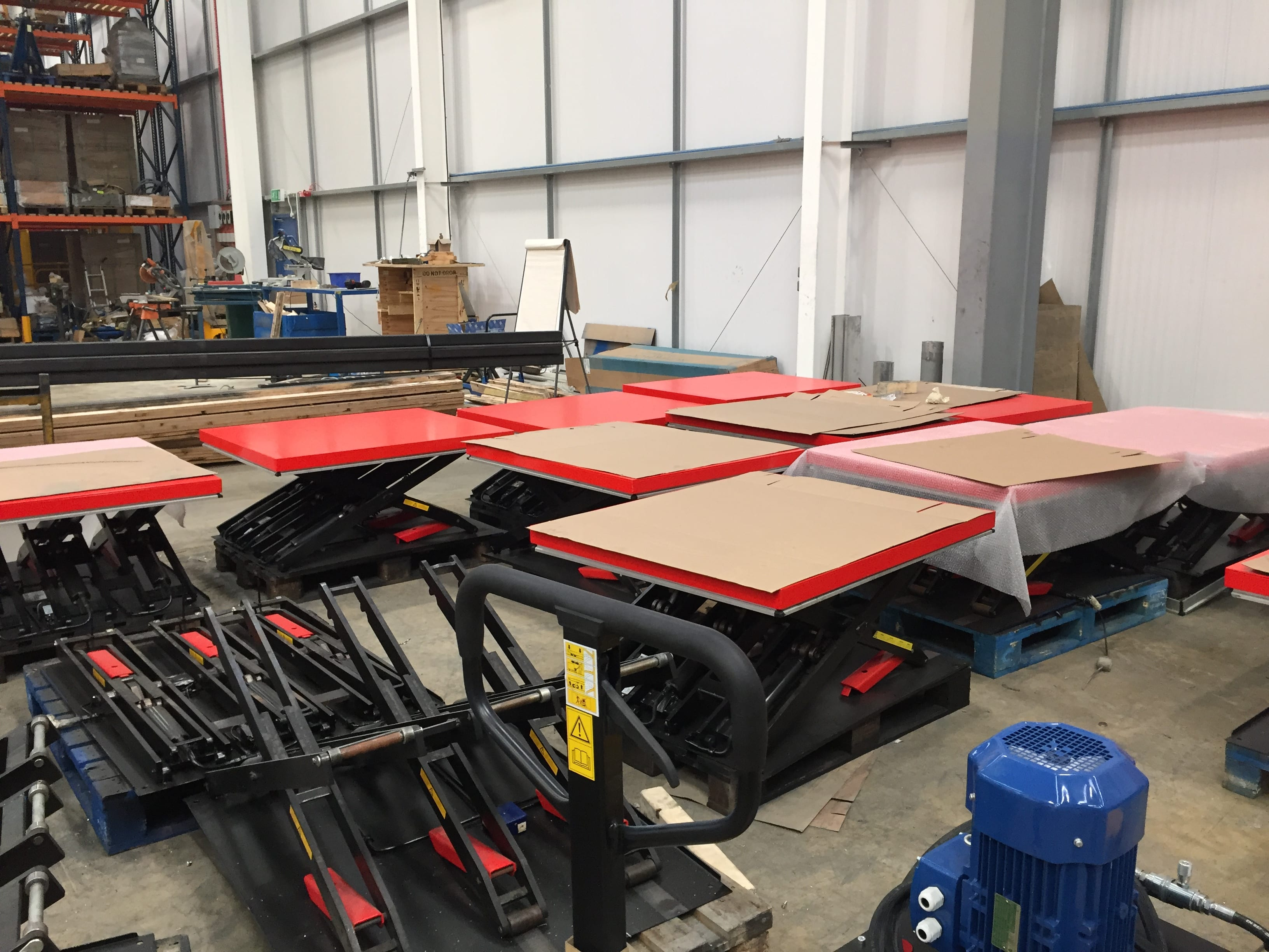 Scissor Lift Maintenance Tables