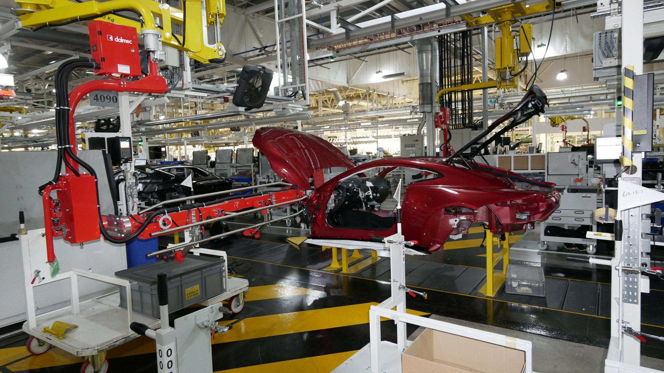 Lifting & Handling in the Car Manufacturing Industry